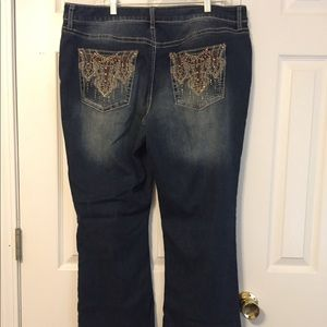 Boot cut jeans😍 Never worn.